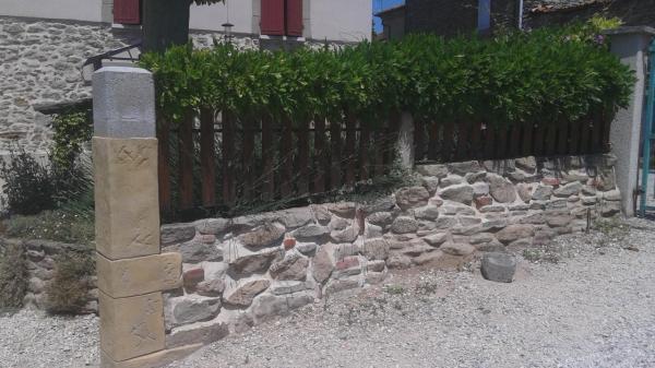 Habillage pilier cr ation murs en pierre - Habillage mur exterieur en pierre ...
